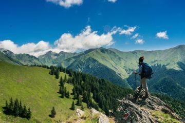 ekologické-destinace-turista-v-horach